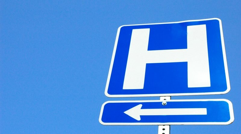 A2YKFF Hospital sign and directiions for drivers to get there. Image shot 2007. Exact date unknown.